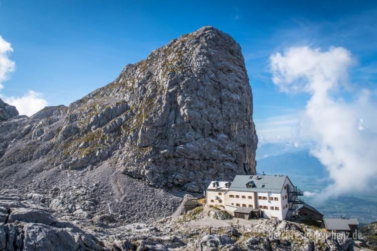 Der Sommerstein thront über dem Riemannhaus